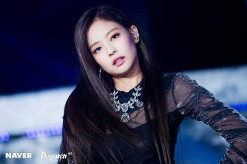 Knet start an argument when Korean newspaper praised Jennie for having the look of an actress