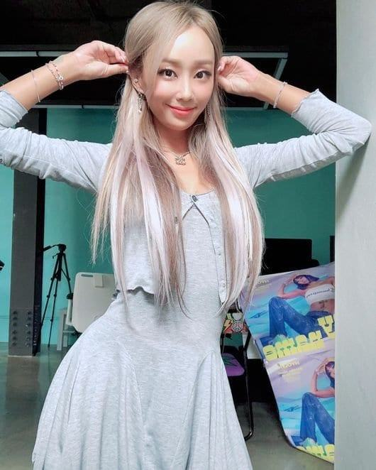 Is Hyorin always this skinny? If a Barbie doll is real, it ...